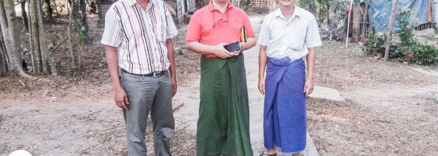 Dr Zaw Moe Aung en collega's