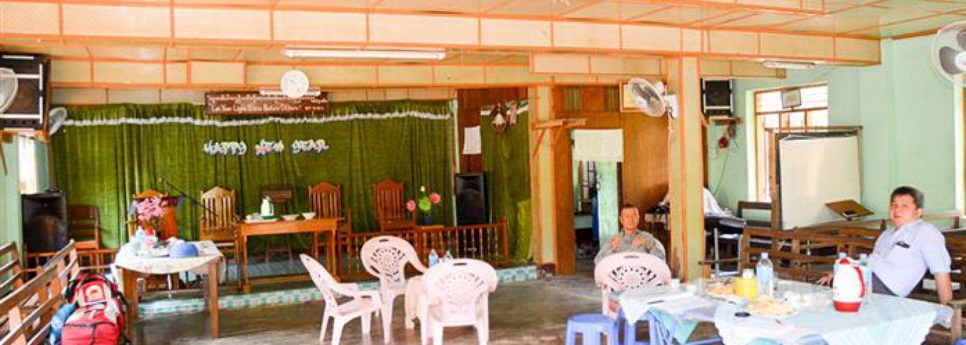 Kerkzaal annex gemeenschapsruimte