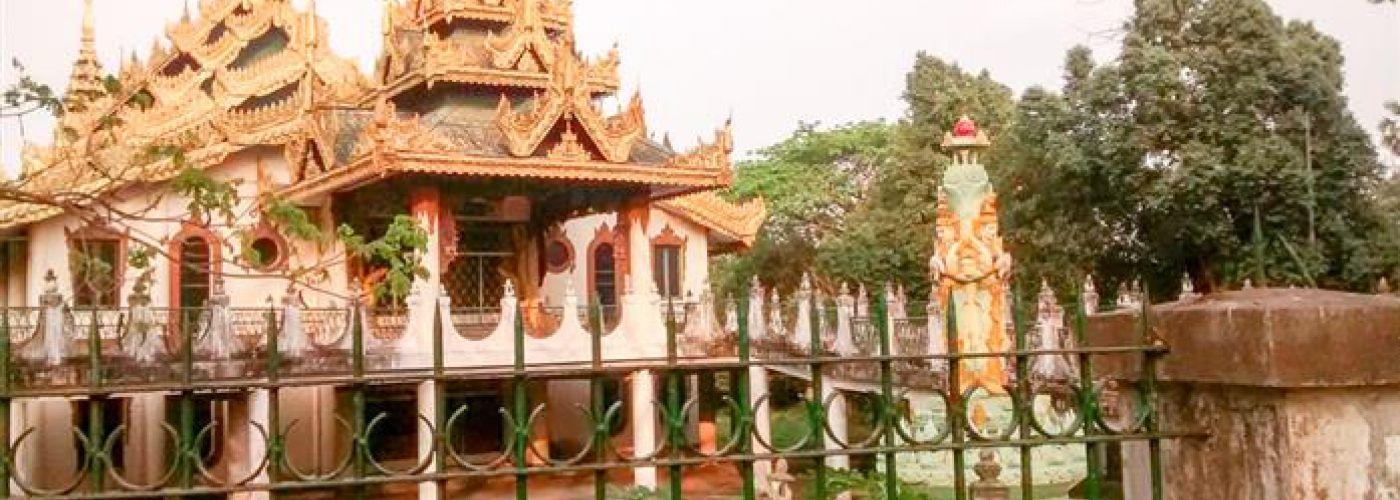 Een van de tempels op Blue Island