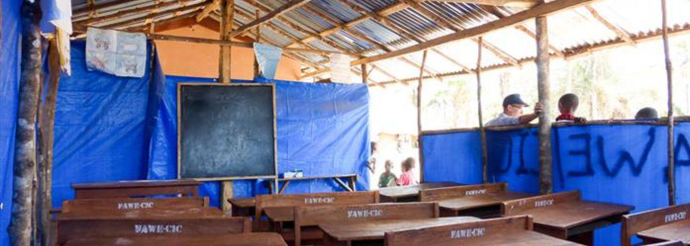 Tijdelijk klaslokaal naast de school