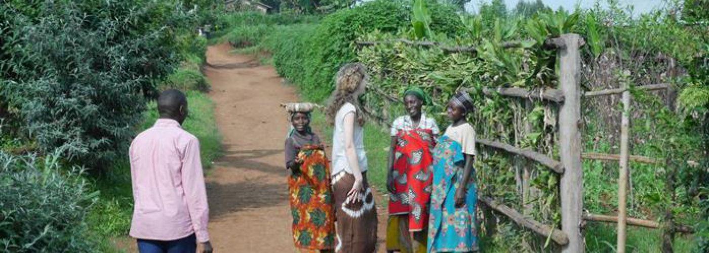 In gesprek met de vrouwen uit het dorp