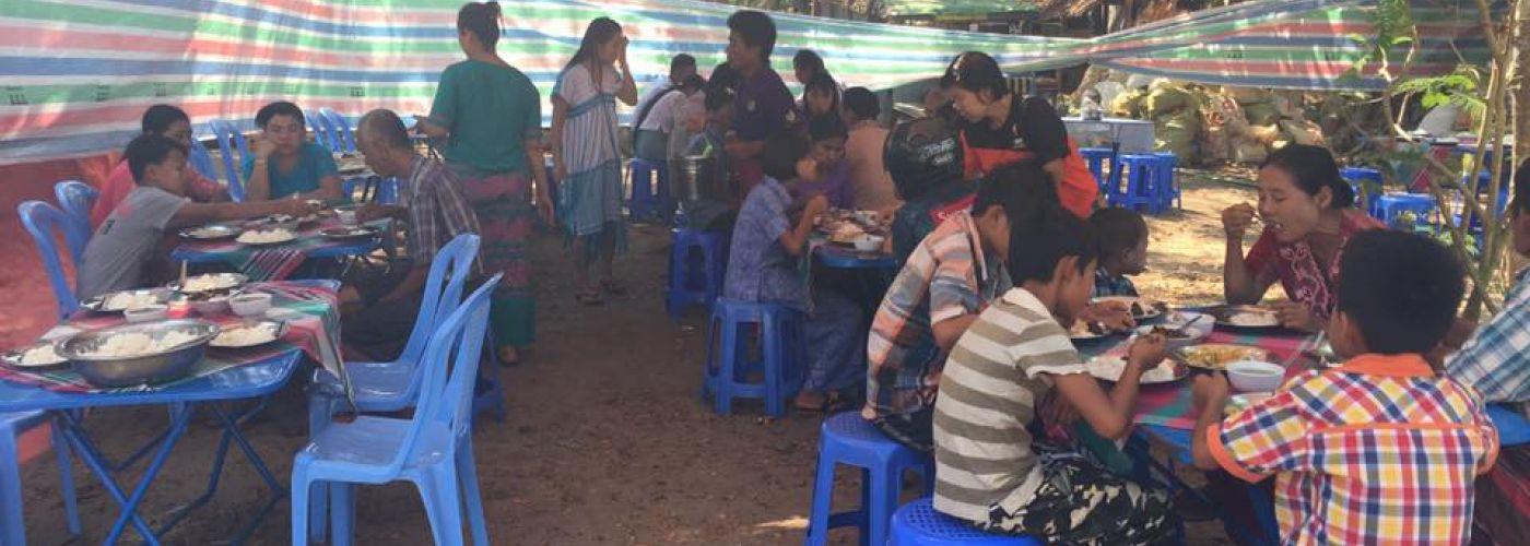 Gezamenlijke lunch na de openingsceremonie