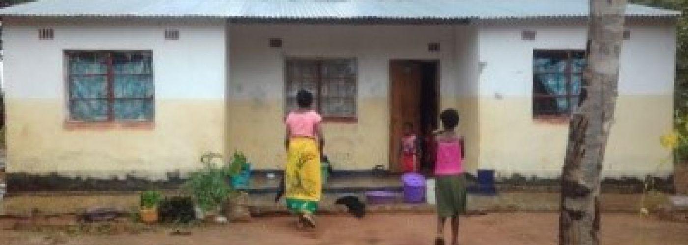 De lerarenwoning in Molozi
