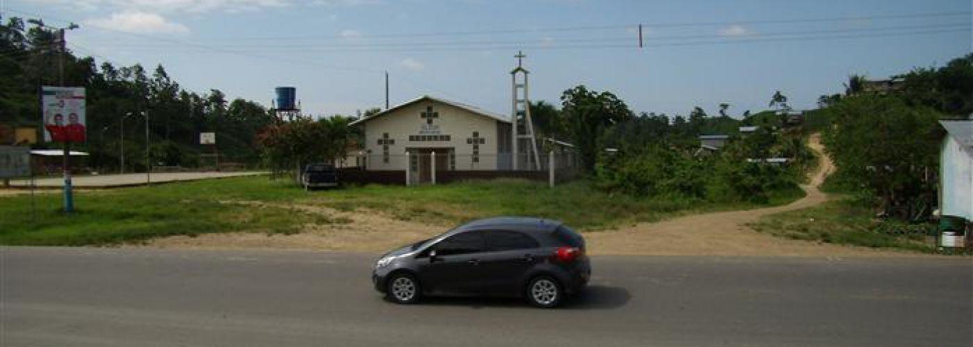 Bouwplaatsweg en kerk