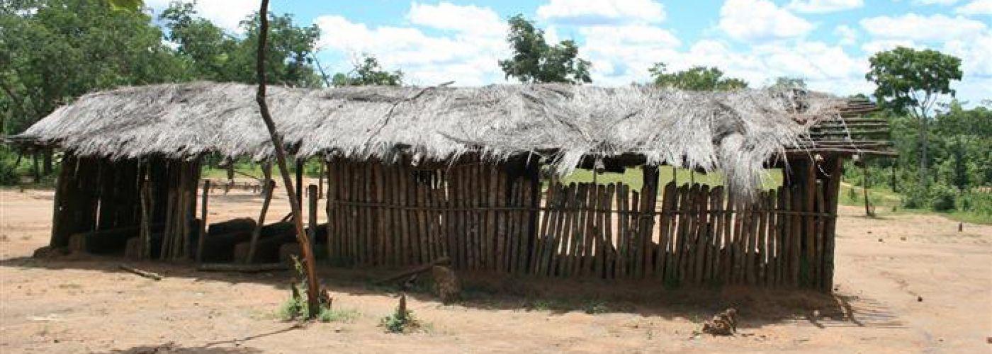 Tijdelijke klaslokalen in Kavinaka